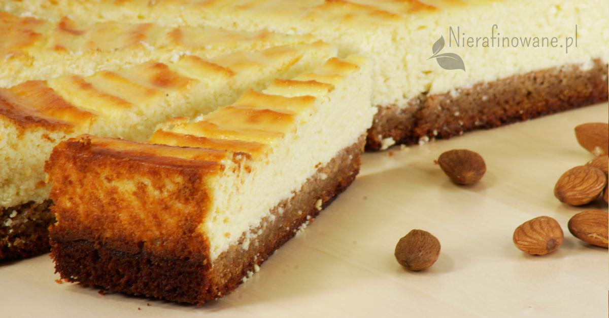 sernik-bezglutenowy-maka-migdalowa-kokosowa-2